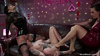 Party babes anal fucking lesbian
