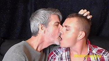 Gay Twink & Daddy Deep Tongue Kissing - Leo Blue - Richard Lennox - Manpuppy