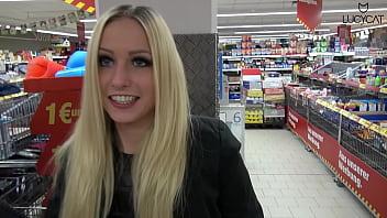 Lucy Cat Fucking in Supermarket - Sex Im Supermarkt - Public