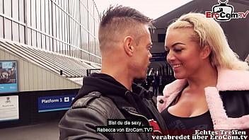 Deutscher Tourist schleppt Blonde Schlampe im Urlaub in London ab EROCOM DATE