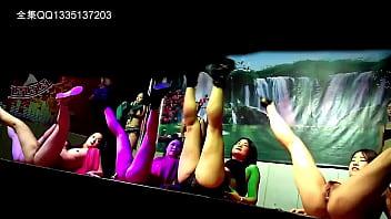 小县城里开放表演夜总会舞台露逼跳舞秀场歌舞团光屁股秀