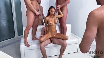 MONICA FOX FIRST DOUBLE PENETRATION GANG BANG WITH 4 GUYS LEGAL PORNO BACKSTAGE 87 min