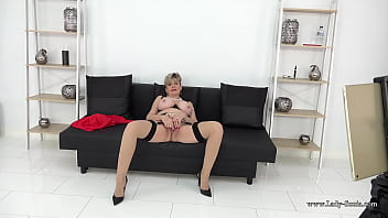Lady Sonia is a naughty cuckoldrix wife