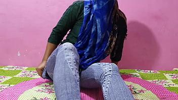 Sexy Desi Girl Sucking Boyfriend Dick classroom