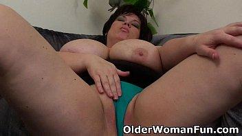 BBW mom having solo sex with a dildo