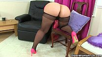 UK milfs Louise Bassett and Jessica Jay playing in tights