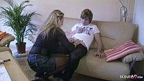 German Stepmom - Deutsche STIEF MUTTER Jenny zeigt Sohn wie Sex geht