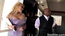Nice Butt Shyla Stylez Gives Blowob