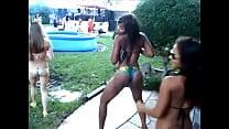 2 Black girl Twerk in the Party